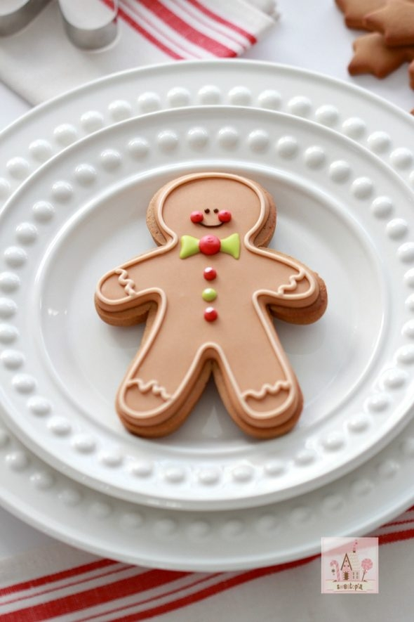 video-tutorials-for-gingerbread-dough-and-gingerbread-man
