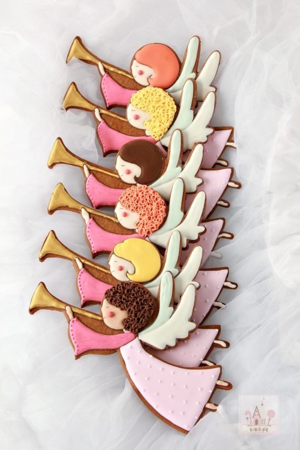 video-_how-to-decorate-angel-cookies