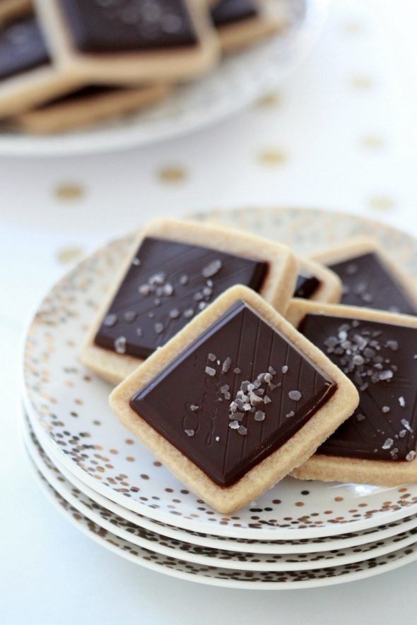 classic-lindt-shortbread-with-sea-salt