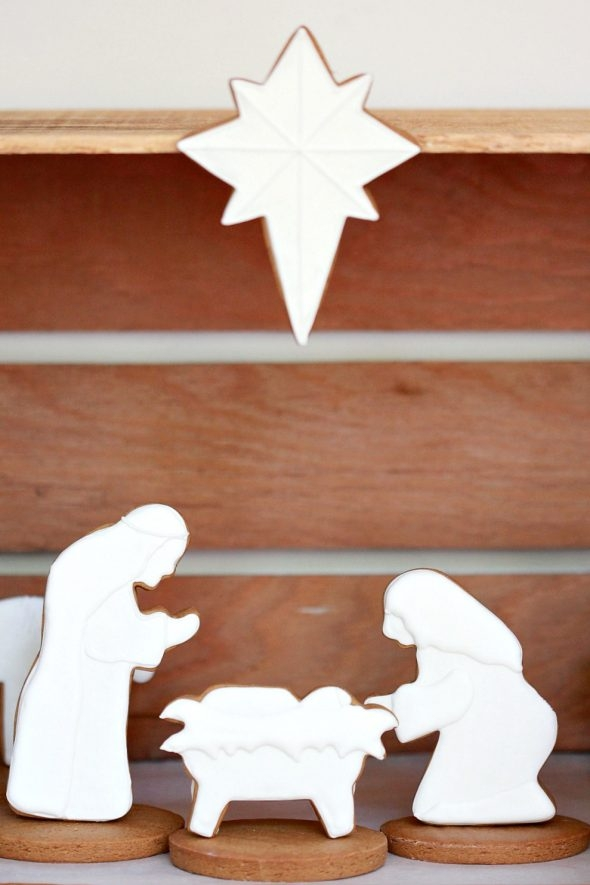 nativity-decorated-cookies