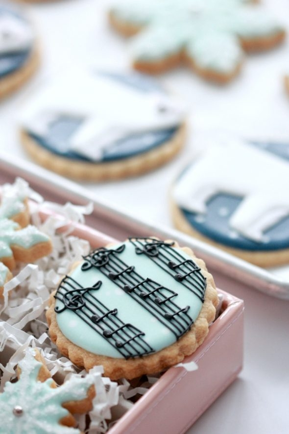 Music Note Decorated Cookie