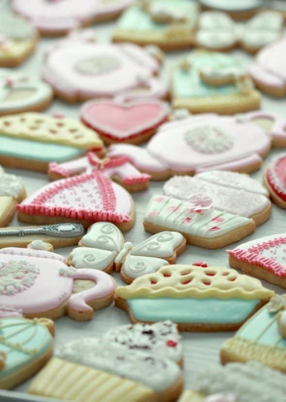 Tea party decorated cookies_Sweetopia