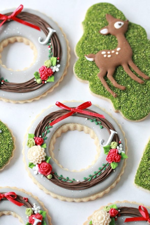 Chocolate Royal Icing Recipe and Christmas Cookies