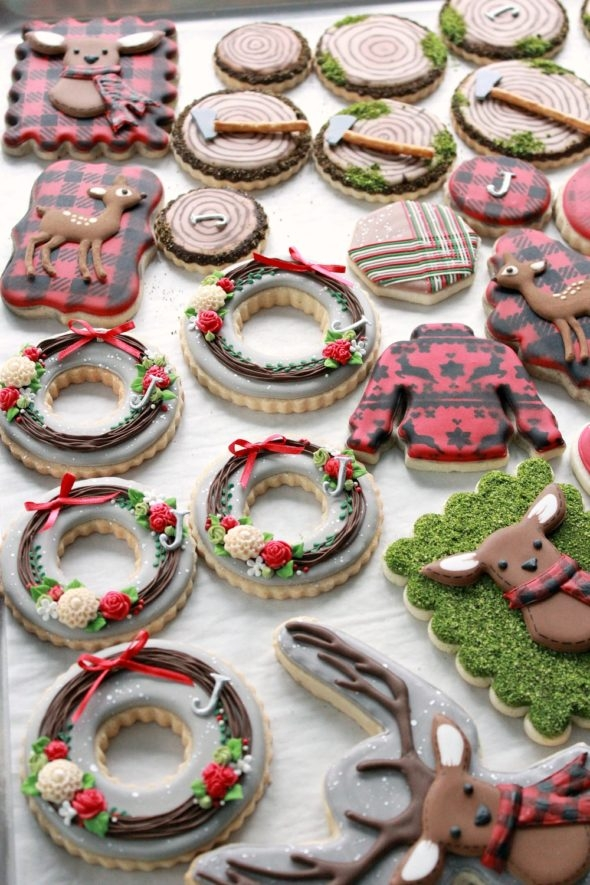 Chocolate Royal Icing Recipe and Christmas Forest Cookies