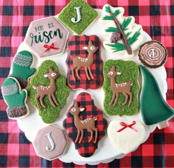 Chocolate Royal Icing Recipe and Plaid Christmas Decorated Cookies