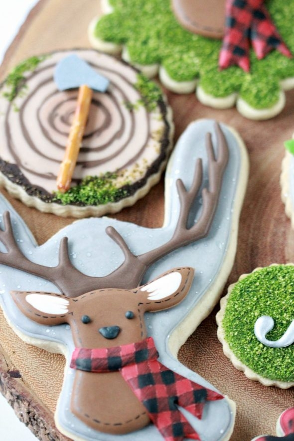 Chocolate Royal Icing and Deer Cookies