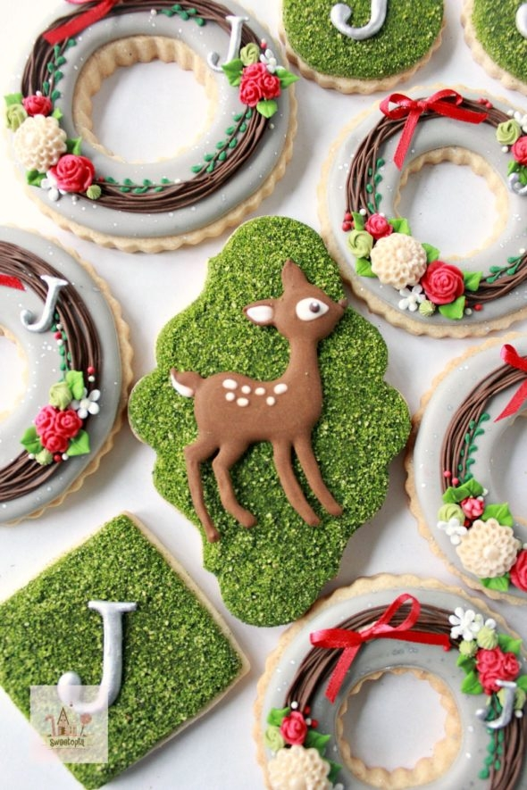 Deer and Wreath Decorated Cookies