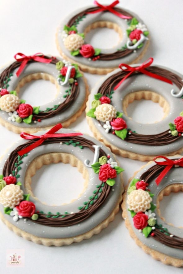 Wreath Decorated Cookies and Chocolate Royal Icing