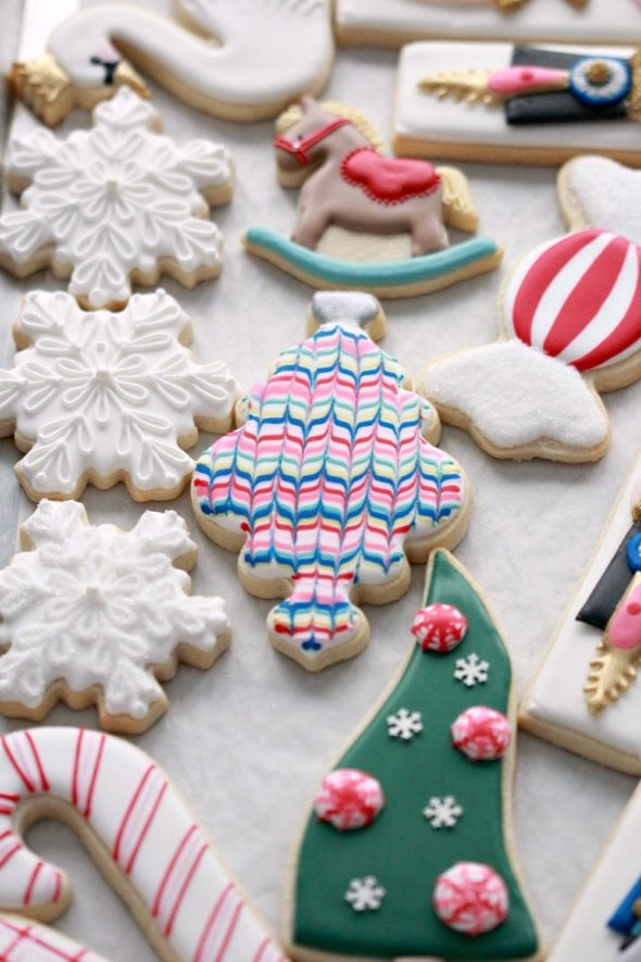 Cookies decorated with marbled royal icing