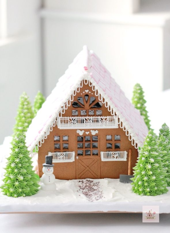 Gingerbread Chalet on Sweetopia