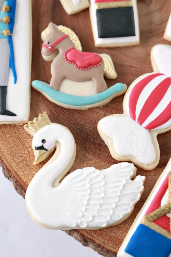 How to Make Nutcracker Decorated Cookies