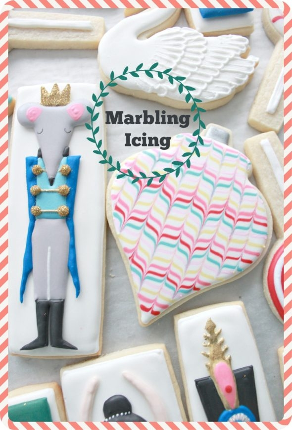 How to marble royal icing