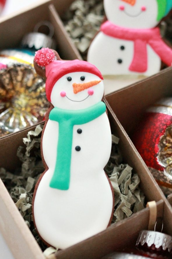 Simple Snowman Decorated Cookie