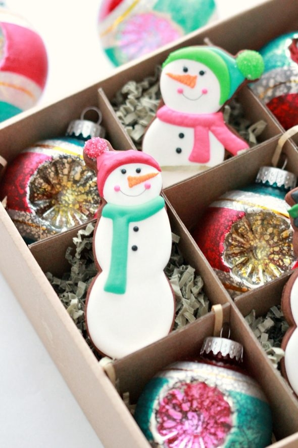 Simple Snowmen Decorated Cookies