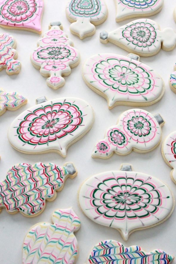 Marbled Decorated Cookies and Royal Icing Tips