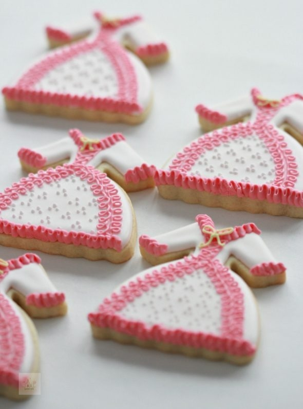 Dress Decorated Cookies Video Tutorial