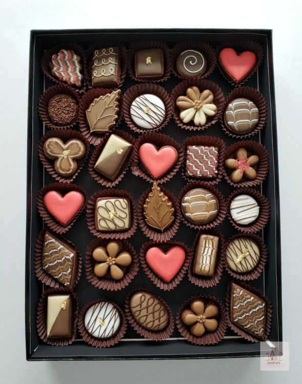 How to Decorate Simple Box of Chocolates Cookies Video Tutorial