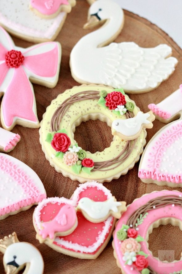 How to Decorate Valentine Cookies Video
