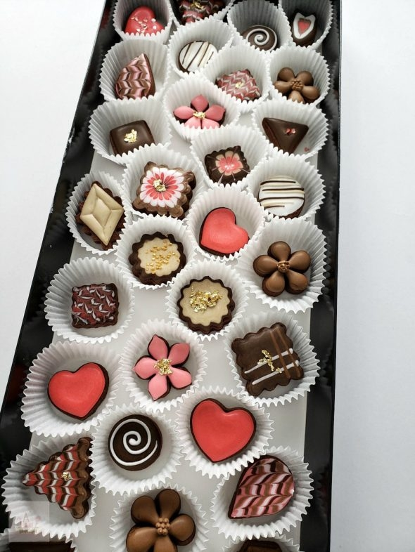 Simple Box of Chocolates Decorated Cookies