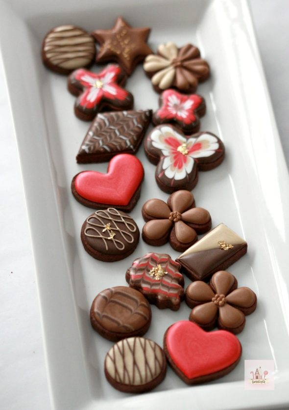 Simple Chocolate Box Decorated Cookies Video Tutorial