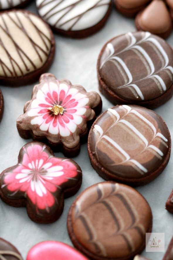 Simple Marbled Chocolate Decorated Cookies