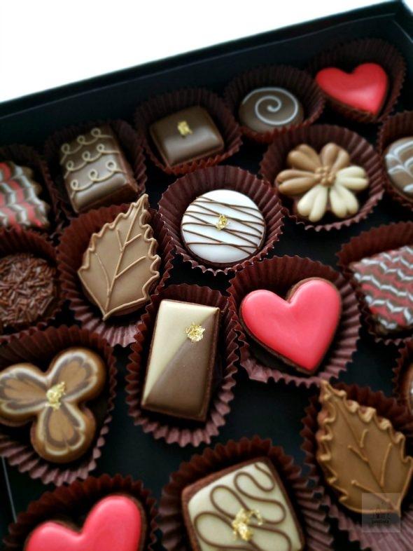Simple Valentine Decorated Cookies Box of Chocolates Cookies Video Tutorial