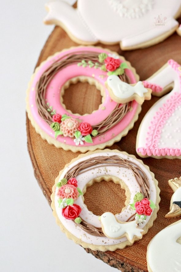 Video Tutorial Valentine Wreath Decorated Cookies
