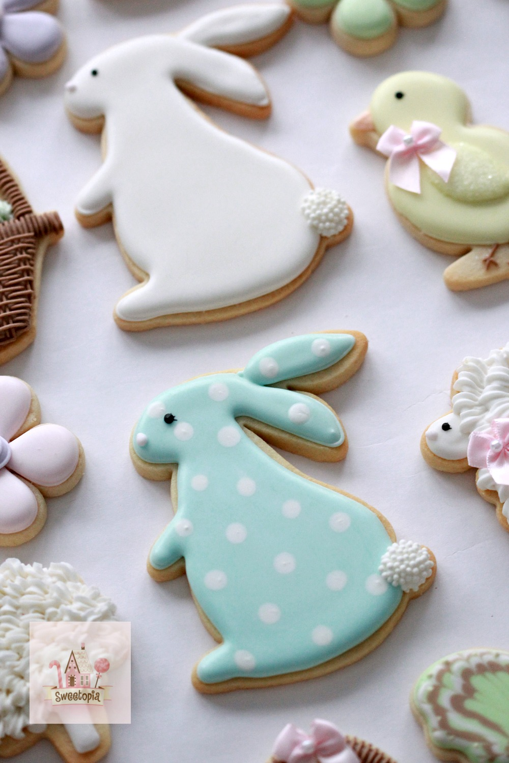 Hosting A Cookie Decorating Party Easter Cookies Sweetopia