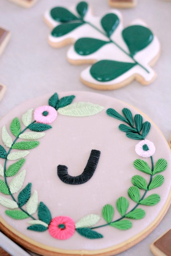 Embroidery Decorated Cookie