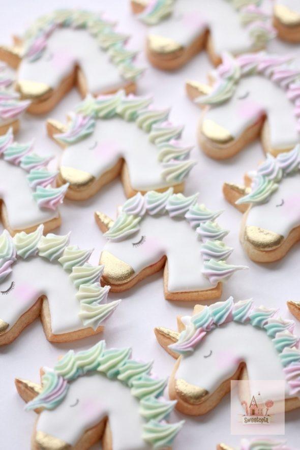 Simple Unicorn Cookie Video Tutorial
