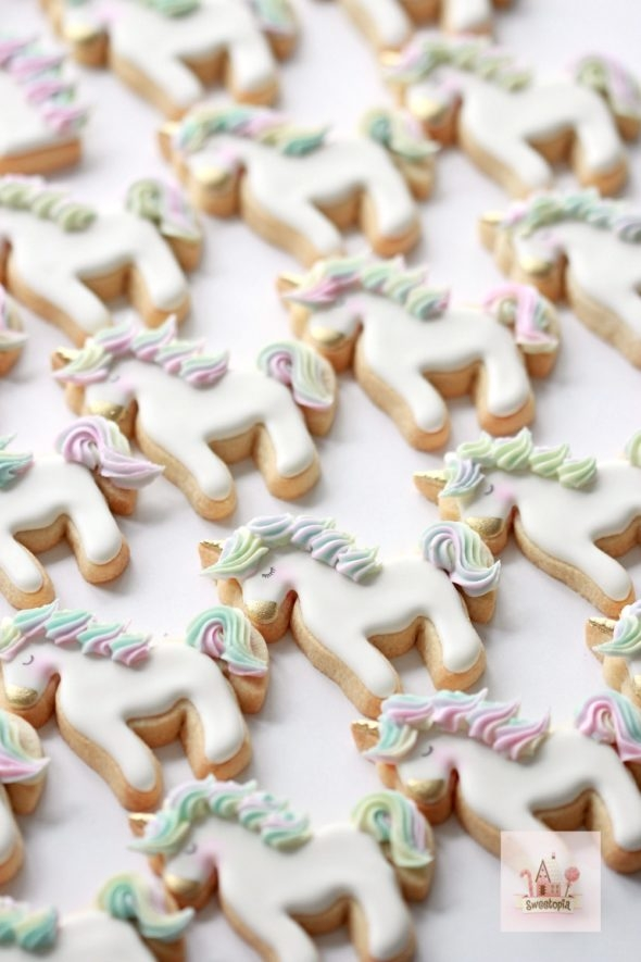 Simple Unicorn Cookie Video Tutorial
