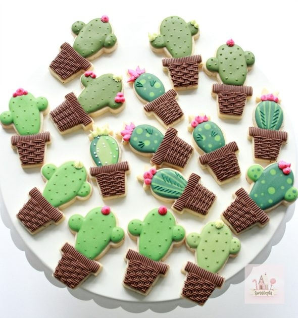 Video Tutorial Cactus Decorated Cookies