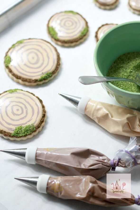 Decorating Cookies with Edible Moss