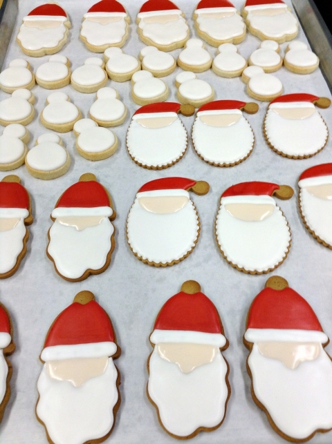 How To Decorate Santa Cookies Sweetopia